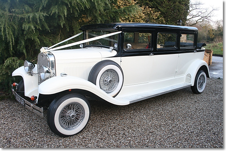 Bramwith Landaulette in Ivory and Black